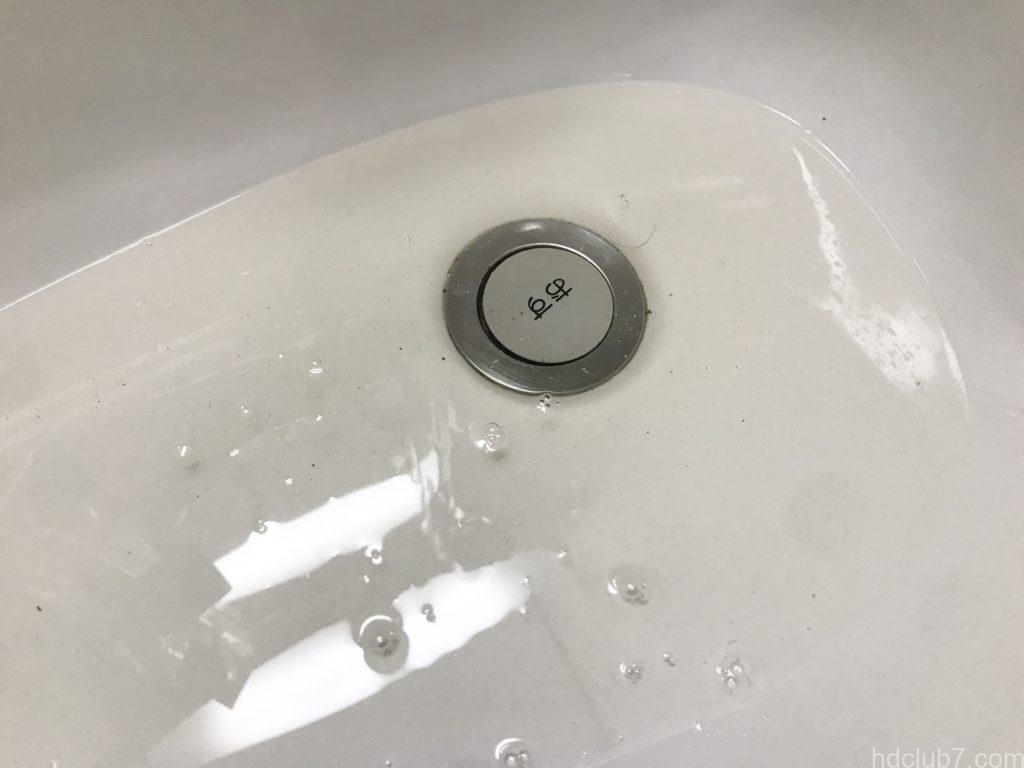 ビーンブーツのモカシンを洗ったあとの汚れた水