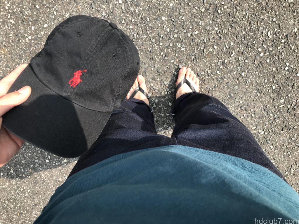 ハワイアナスのビーチサンダルとキャップ