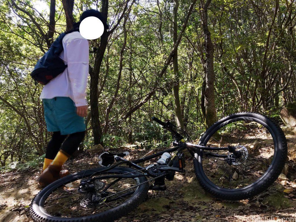 グラミチのシェルギアショーツを履いてマウンテンバイクと登山