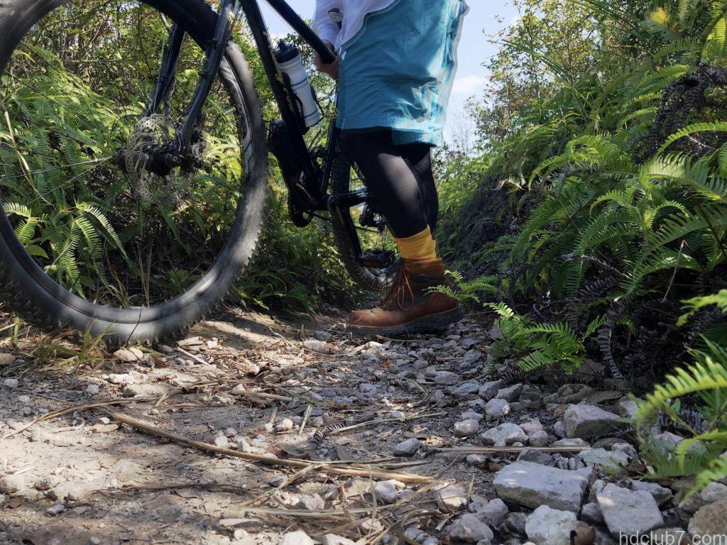 グラミチのシェルギアショーツで登山