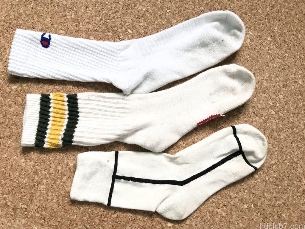 チャンピオンの白靴下とヘルスニットの靴下とシックストックスのラインソックス