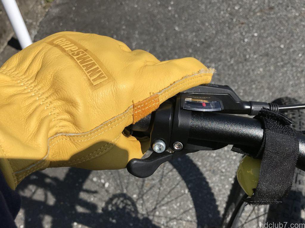 グリップスワニーのキャンプグローブG70とマウンテンバイクのハンドル