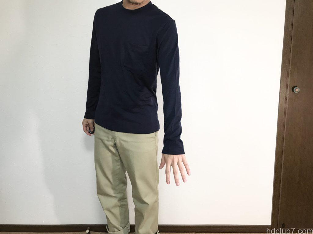163cm/58kgの男性が着たアイスブレーカーのメリノウールTのシャツ「テックライトロングスリーブポケットクルー」のサイズ感