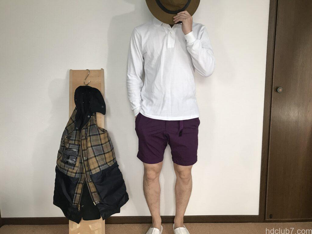 グラミチのウェザーNNショーツを履いた男