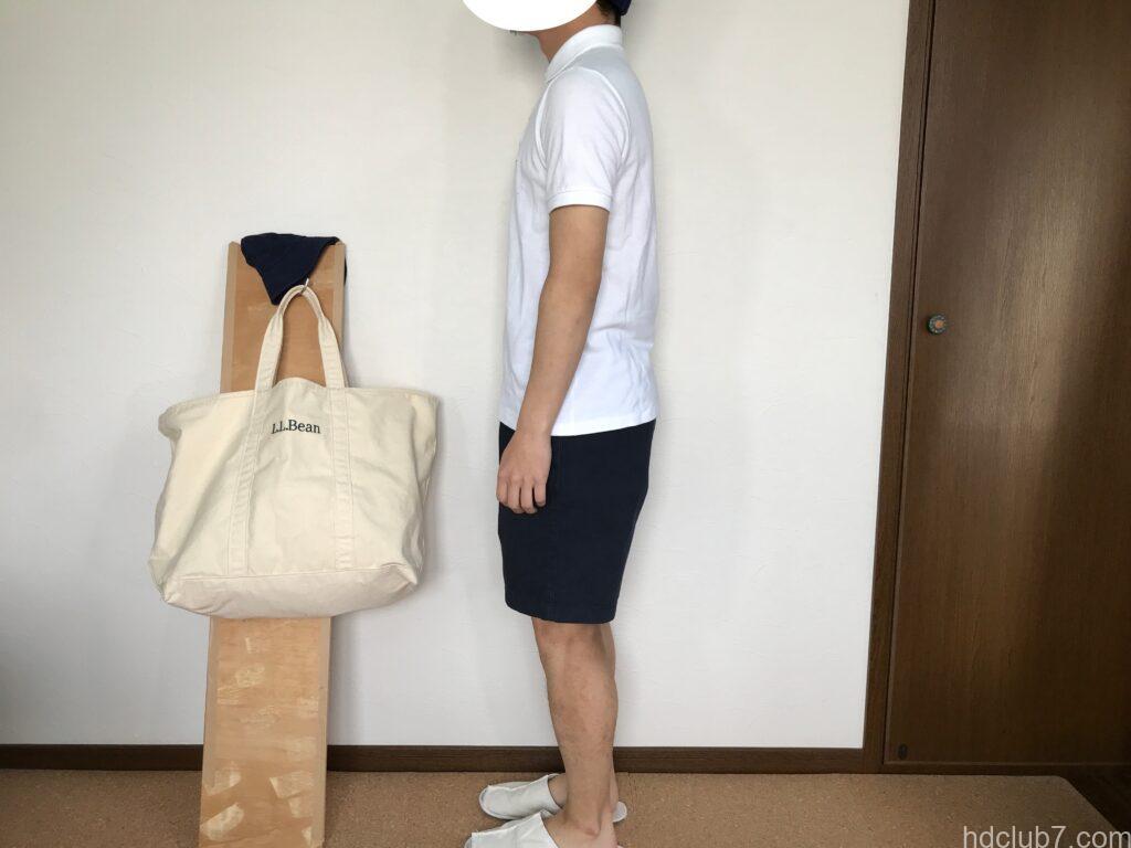 ラコステの半袖ポロシャツのボーイズモデルPJ2909のサイズ16とグラミチのGショーツを着た人