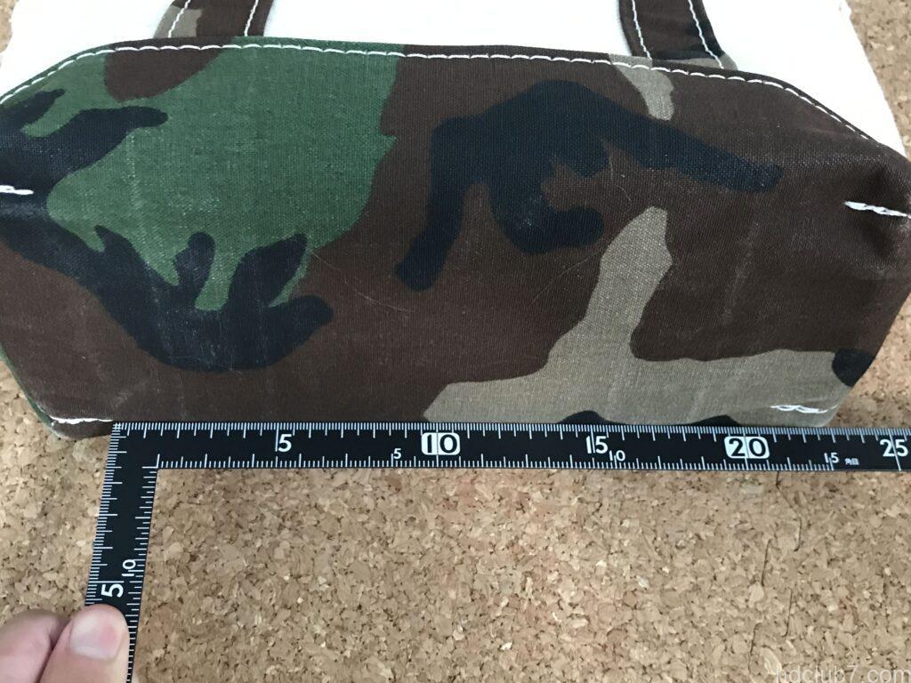 洗濯前のエルエルビーンのトートバッグミニのカモフラ柄の横サイズ