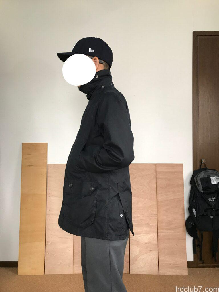 7ヶ月着用時点のバブアー ビデイルSLを着た人
