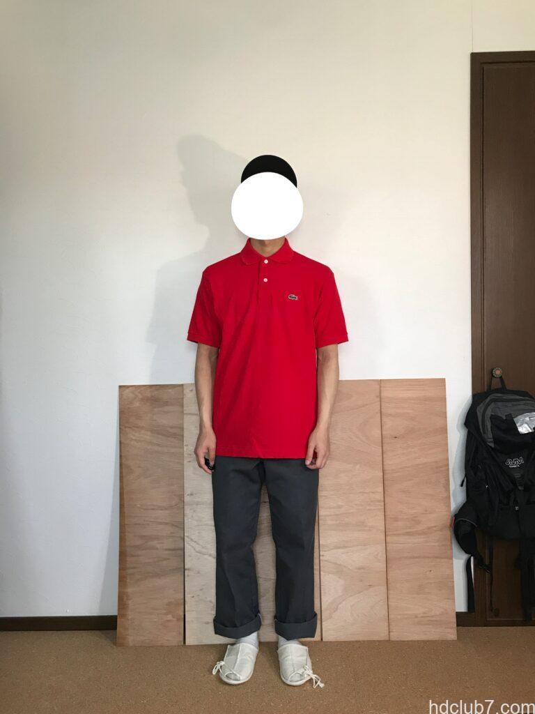 3度洗濯したラコステのポロシャツL1212のサイズ5とディッキーズ874を着た人