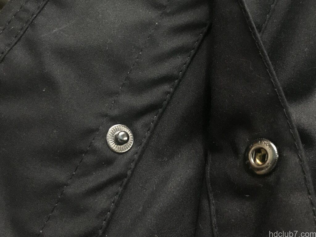 バブアーの現行ビデイルSLのサイドベンツのスナップボタン