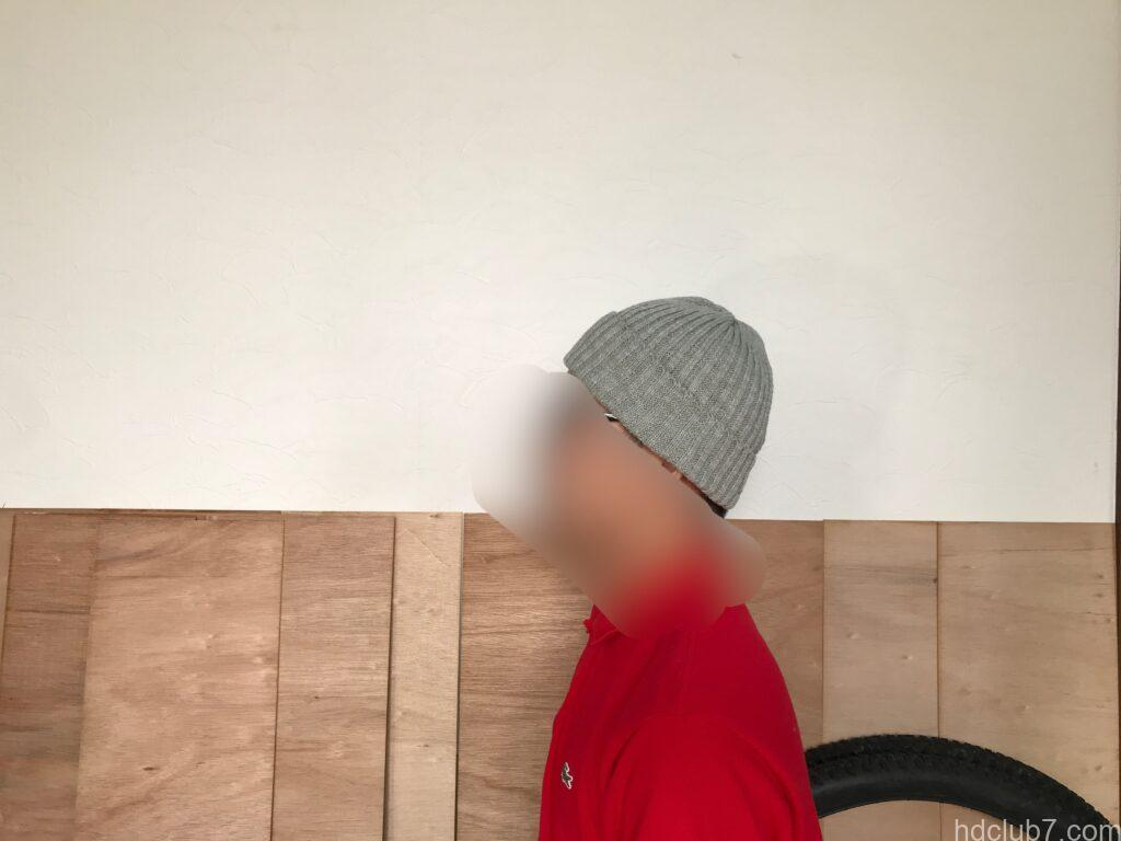 ハイランド2000のリネンのニット帽を被った人
