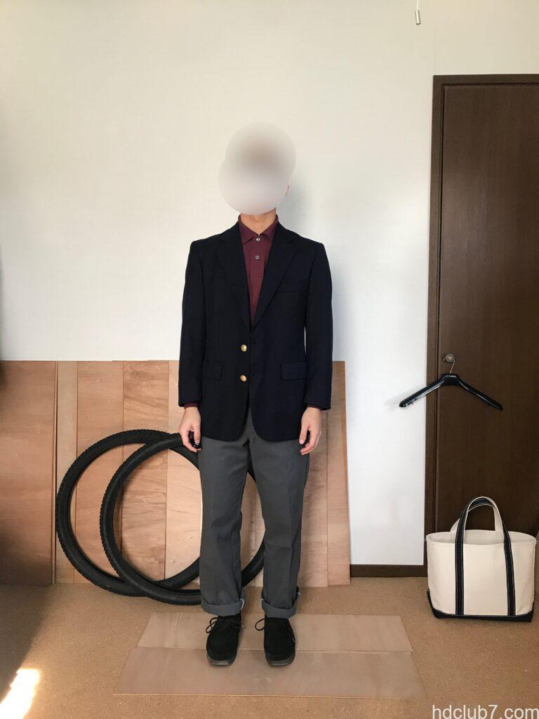 ラコステの長袖ポロシャツL1312にブレザーを羽織った人